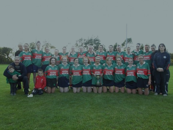 Camogie Team with cup